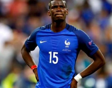 "Pogba ""betrays"" United, wants another club"